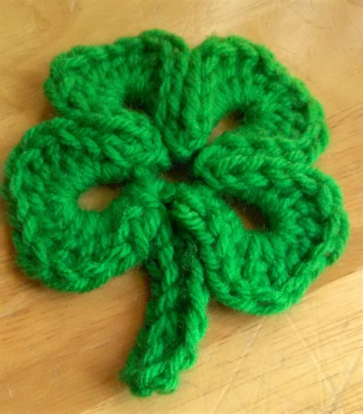 crochet four leaf clover