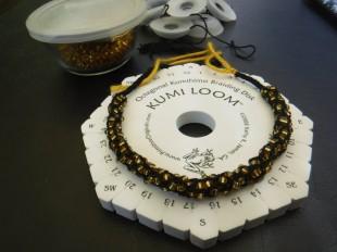 kumihimo with gold beads 2