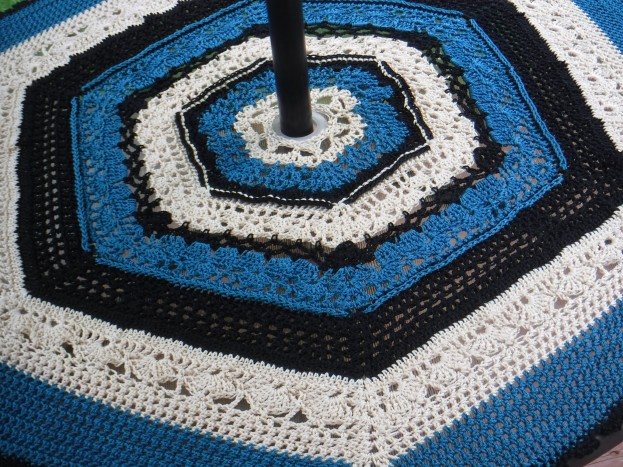 crochet patio table cover 1